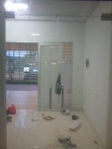 Pintu kaca 12mm CP
