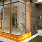 Jendela aluminium kaca mati urat kayu